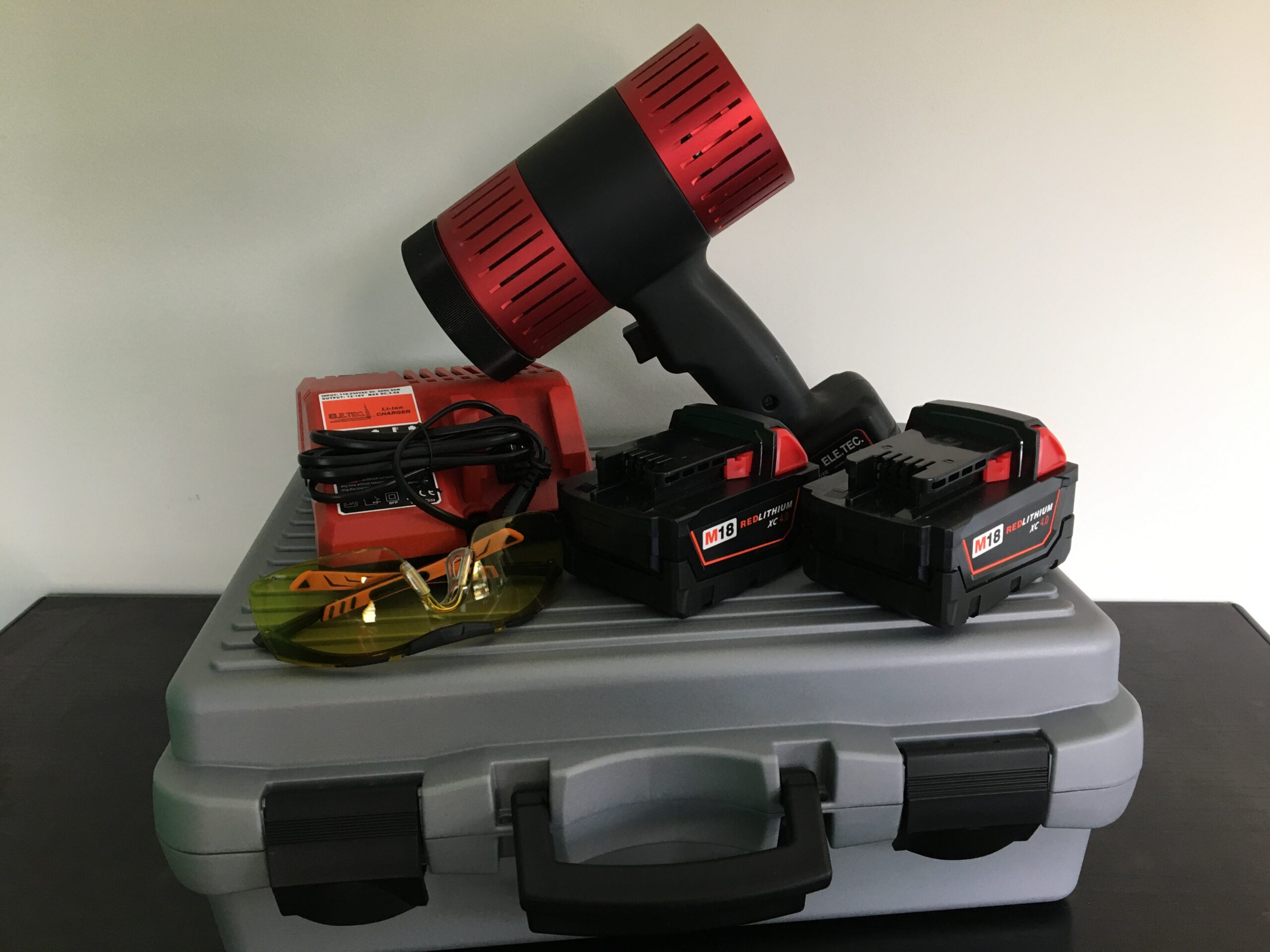 Lampada per essicazione a raggi UV a batteria